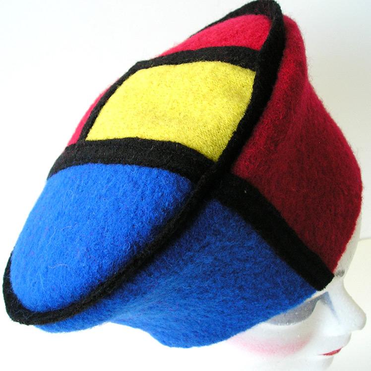 Wil Kooman Hats & Caps 100 jaar Mondriaan & De Stijl